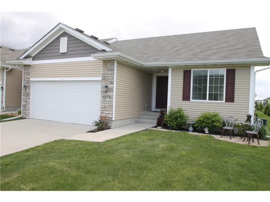 6074 Bradford Lane, Johnston, Iowa