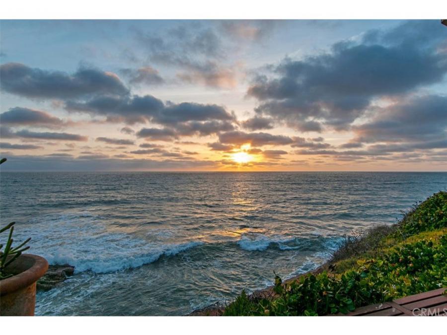 1476 Pescadero Drive, Ocean Beach, California
