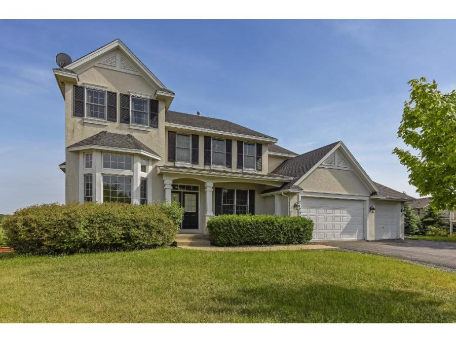 2179 Red Fox Circle, Chanhassen, Minnesota