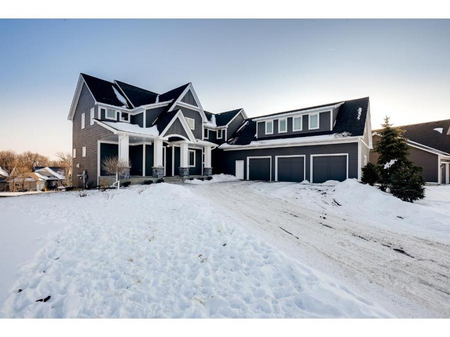 2880 Fairway Drive, Chaska, Minnesota