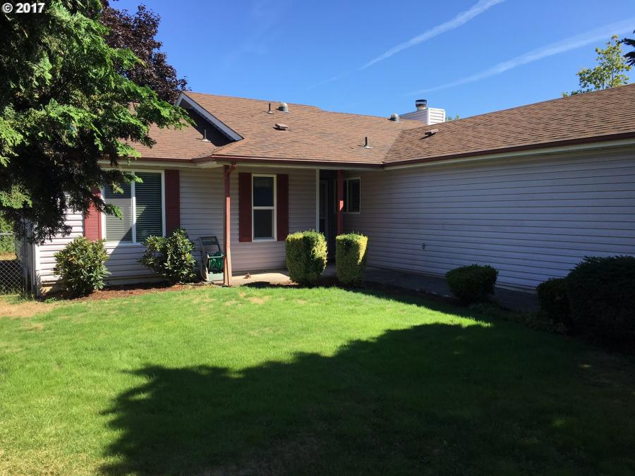 264 SW 12TH AVE, Canby in Clackamas County, OR 97013 Home for Sale